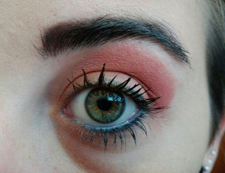 Trucco arancione-corallo