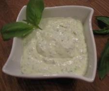 Rezept Basilikum-Dip, lecker zur Grillparty - Rezept aus der Kategorie Saucen/Dips/Brotaufstriche