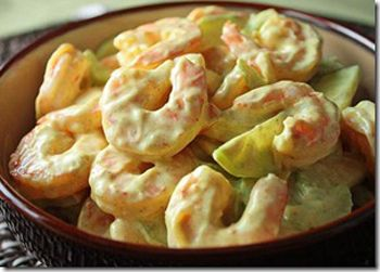 Салат с креветками и маринованными грибами