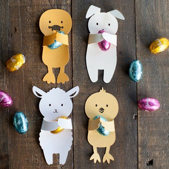 Make these adorable, printable baby animal candy huggers in time for Easter.