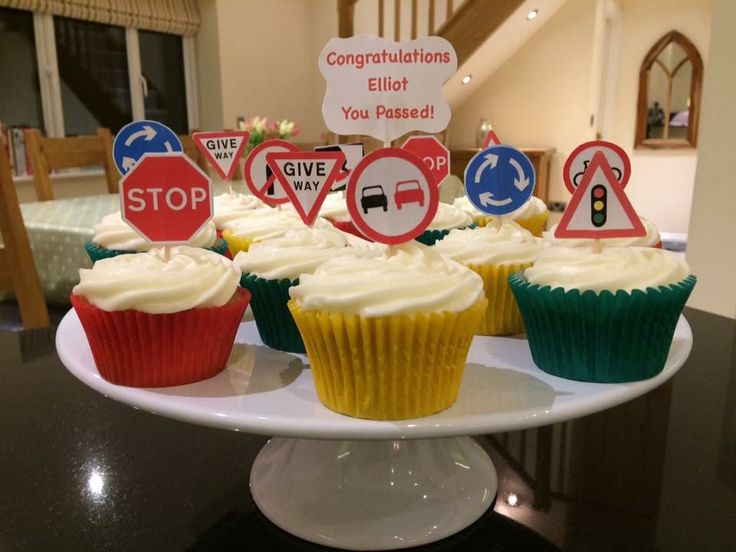 Driving test cupcakes