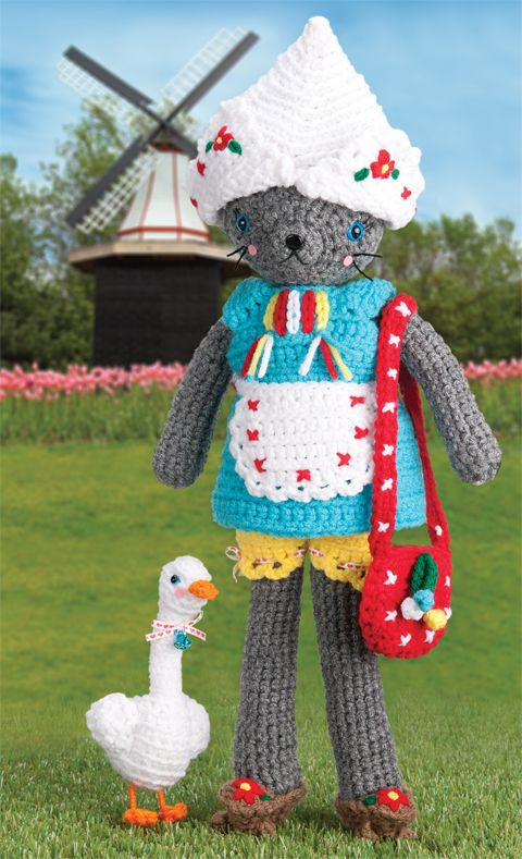 Coco Goes to Holland | crochet today | Coco continues her world tour!