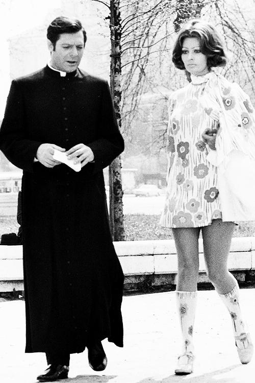""""""" La Moglie del Prete """",Film con Sophia Loren e Marcello Mastroianni. Coco e l'Istrione"""