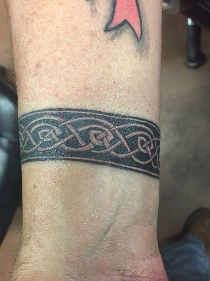 best 20 celtic band tattoo ideas on pinterest tribal armband tattoo polynesian tribal and. Black Bedroom Furniture Sets. Home Design Ideas