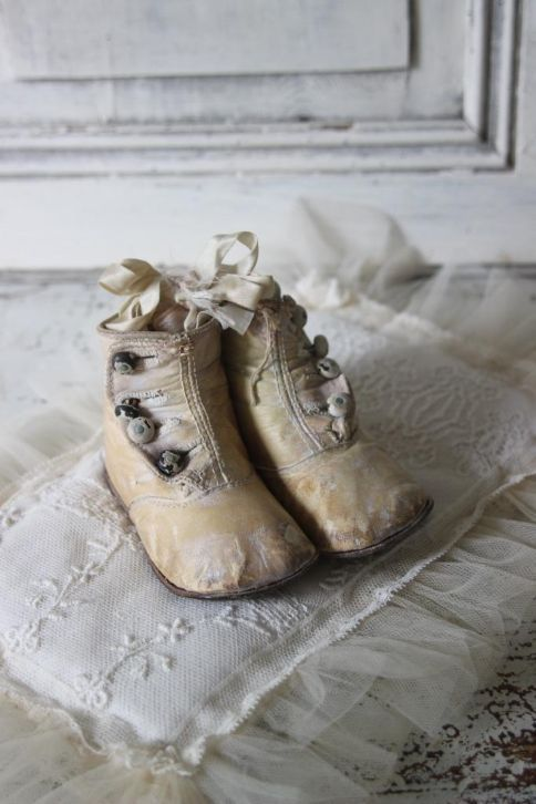 Antique Baby Shoes with Buttons & Bows ....