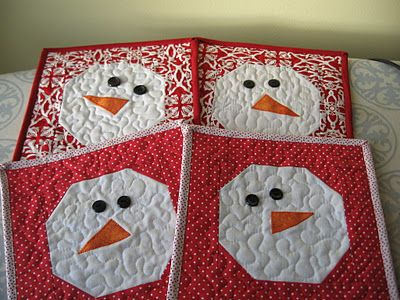 Not-so-Plain Jane: Snowman Mug Rug Tutorial   I think these a whole quilt of these would be so cute