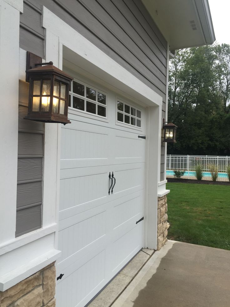 1000 ideas about chi garage doors on pinterest garage for Sliding carriage doors