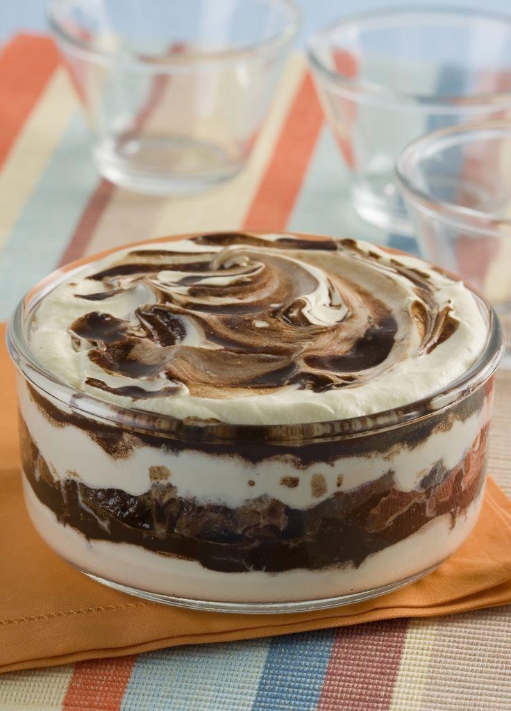 Pavê fácil de leite condensado e chocolate em pó                                                                                                                                                                                 Mais