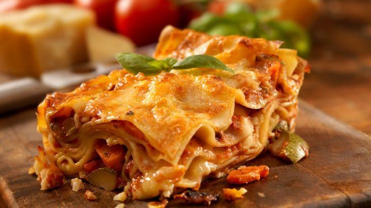 Wie gut das duftet! Schon lange bevor die Lasagne dampfend auf dem Tisch steht, zieht das feine Aroma aus Käse, Bechamel-Sauce und Tomate durch die Küche.