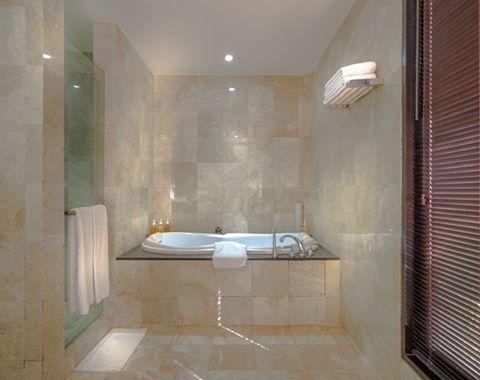 WEBSTA @ ayodyabali - Luxurious bath is translated here #holiday #traveling #resort #ayodyaresort #ayodyaexperience 👍