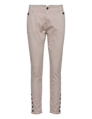 Skinny Jeans with Button Ends  http://ailruin.com/