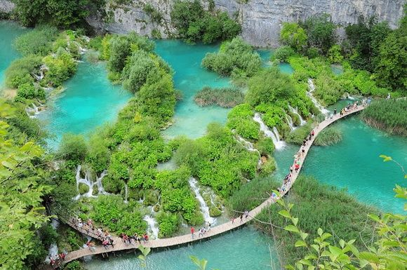 Croatia.  Beautiful.  THE WORLD GEOGRAPHY: 8 of the Most Unique Paths in the World