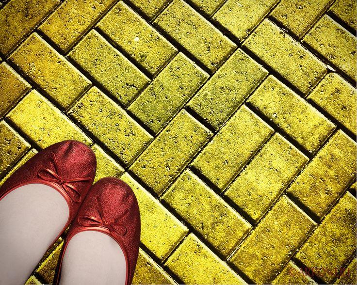yellow brick road background wizard of oz wwwimgkidcom