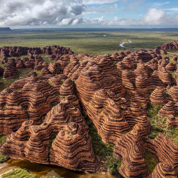 Purnululu National Park (Bungle Bungles) is a World Heritage Site in the East Kimberley region of Western Australia ==> https://fr.wikipedia.org/wiki/Parc_national_de_Purnululu