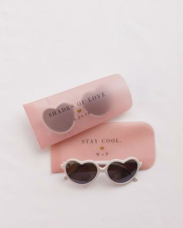 10 Cool Wedding Favor Ideas: Sunglasses
