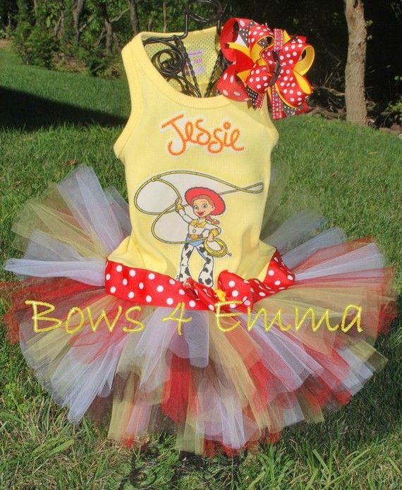 what a cool jessie cowgirl outfit!!!