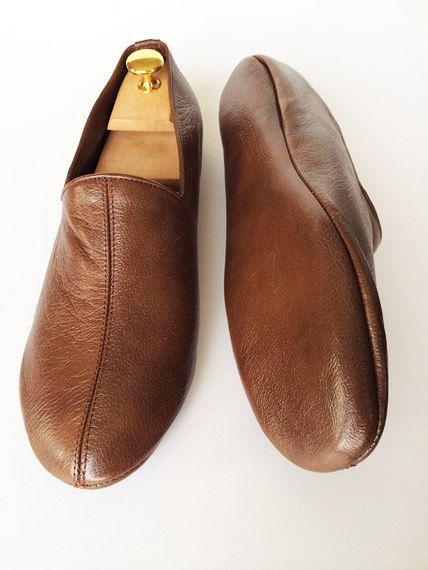 Best 25 Mens Leather Slippers Ideas On Pinterest Leather Slippers Leather Slippers For Men