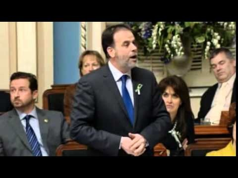 #Canada Daniel Breton Sleeps In Quebec's Parliament (video). Breton was caught on camera repeatedly dozing off during question period this week. Asked about it, he said Wednesday that he could be suffering from a sleeping disorder.