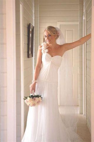 Brides photo gallery, Tutta Bella Bridal store, Auckland.