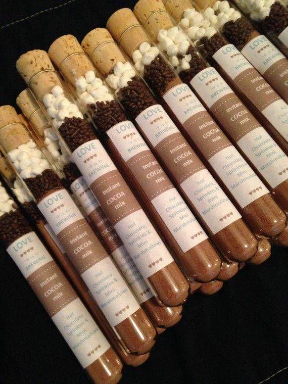 25 heiße Schokoladenbevorzugungen mit oder ohne Umbauten (verschiedene Sprichwortumbauten) – Joslyn Annamuthoo