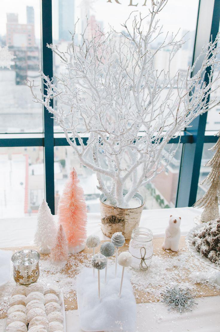 Όλα χιονισμένα! Cakepops, macarons κι άλλα με  επικάλυψη καρύδας! Μοναδικά χειμωνιάτικα προσκλητήρια γάμου με πέρλες - http://www.lovetale.gr/wedding/wedding-invitations?atr_color=53&atr_theme=77