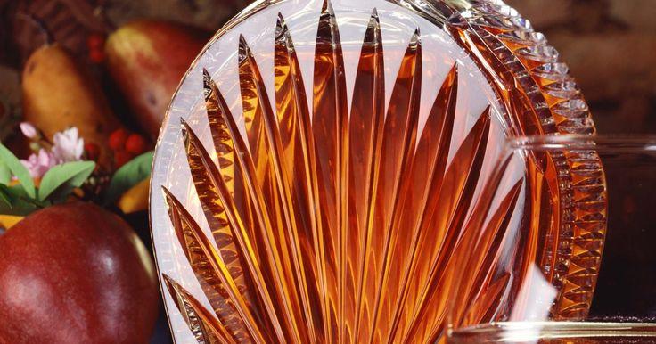 Sustitutos del coñac para cocinar . El coñac es un brandy originario de Cognac, Francia, que cumple criterios específicos: tiene que haber sido añejado en toneles de roble por al menos dos años en un lugar registrado en el Bureau National Interprofessionnel du Cognac (BNIC); el nivel mínimo de contenido alcohólico cuando se vende debe ser de 40%; no debe tener aditivos y una ...