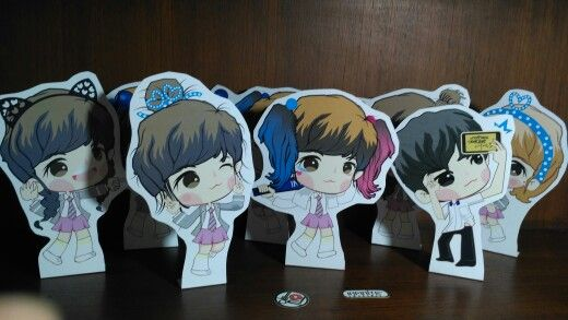 Pick Me Paper Standee