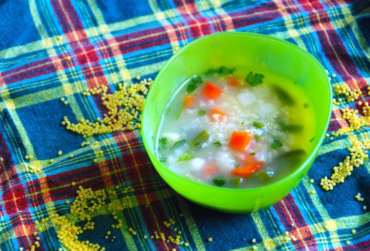 Jaglanka pożywna i smaczna zupka z mięsem, warzywami i kasza jaglaną dla niemowląt po 10 miesiącu.