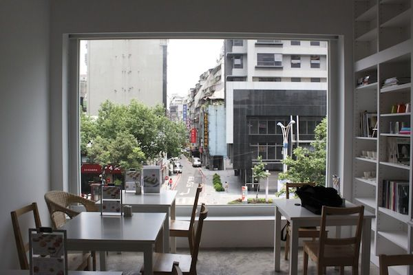 Miracle-Art-Space-Cafe-Taipei-1