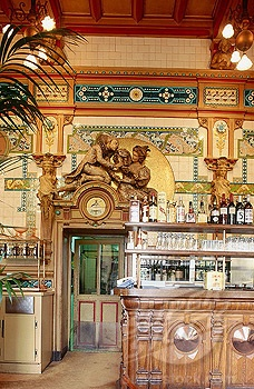 La Cigale Restaurant-Brasserie, inauguré en Avril 1895, classé Monument historique depuis 1964, conçu par l'architecte céramiste Emile Libaudière, et situé Place Graslin, Nantes, France