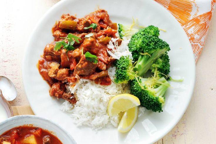 Kijk wat een lekker recept ik heb gevonden op Allerhande! Goulash met rijst en broccoli