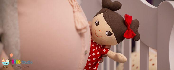 Sarcina este un eveniment ce incarca toate familiile si toate casele de o bucurie fara margini, iar viitoarea mamica este fara indoiala cea care este cuprinsa de trairi si emotii cu totul noi si cu adevarat unice, chiar daca se afla sau nu la primul bebelus. Cele noua luni de sarcina aduc schimbari vizibile pe …