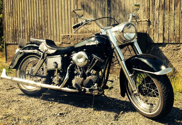 Lester's Pan - mis-match everything '62 Duo Glide