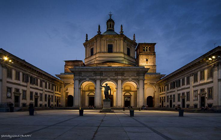 Piazza Vetra by night Photo by GiusyBaffi ©