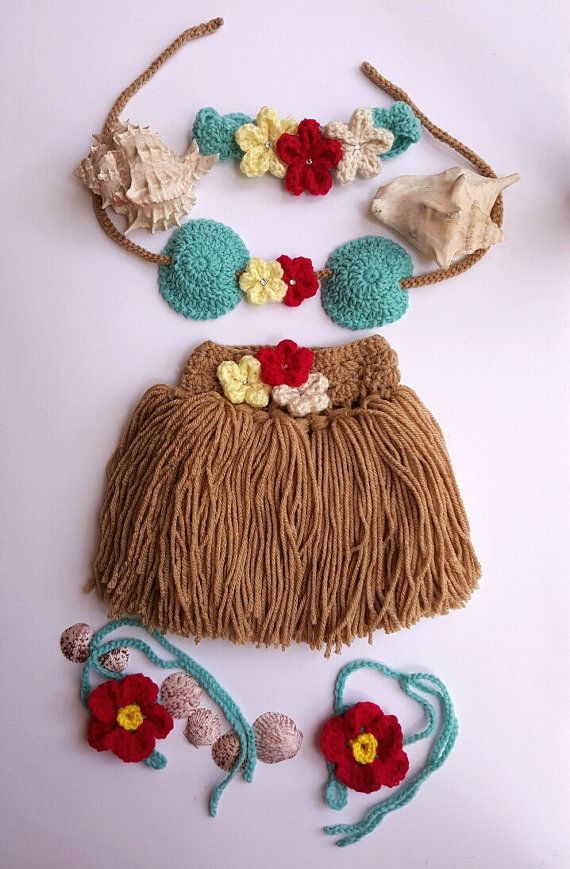 Hula Girl outfit - Girls Hula Skirt - Baby Hula Skirt - Newborn Crochet Outfit - Baby's First Pictures - Hawaiian Hula Girl - Handmade by bellafarfallaboutiqu. Explore more products on http://bellafarfallaboutiqu.etsy.com