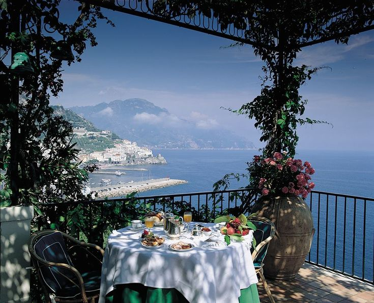 Hotel Il San Pietro and Restaurant Zazz(Positano) Via Laurito, 2, 84017 Positano SA, Italy +39 089 875455 Il San Pietro is a luxurious, five-star, Relais & Chateaux property with Michelin-star restaurant, Zass, set on a beautifully-landscaped cliffside overlooking the sea. … Continue reading →