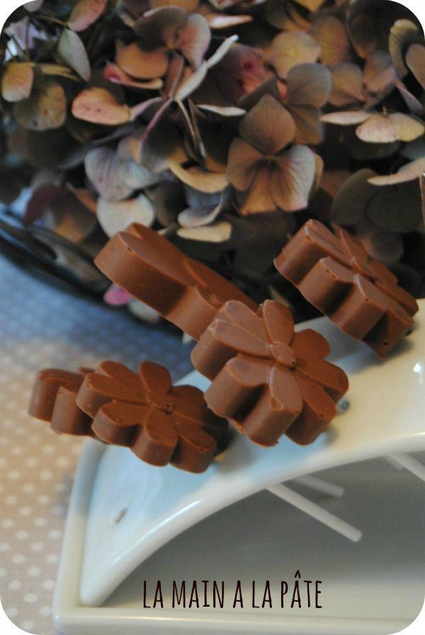 Sucettes et tablettes au chocolat et sucre pétillant {cadeau gourmand}