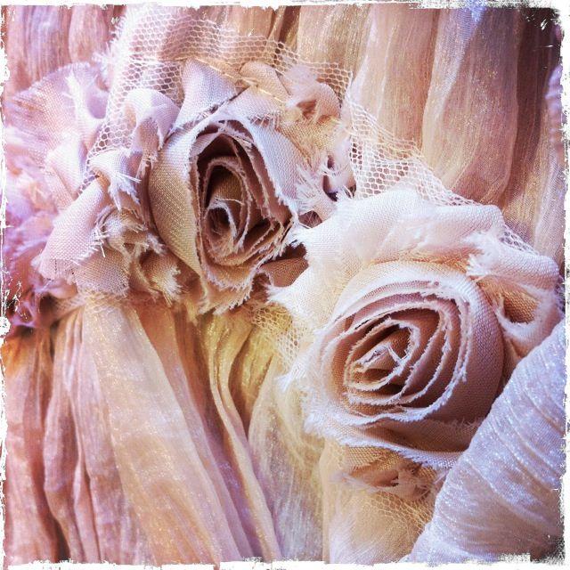 Scialle rosa cipria, decorazione con rose stile vintage
