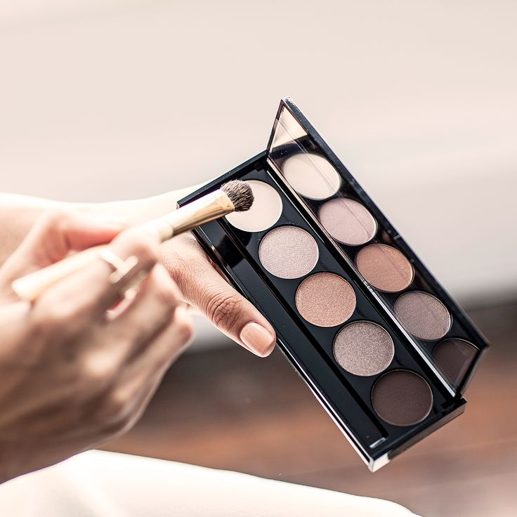 Golden Hour | Summer's must have eye shadow palette #WITCHERYBEAUTY