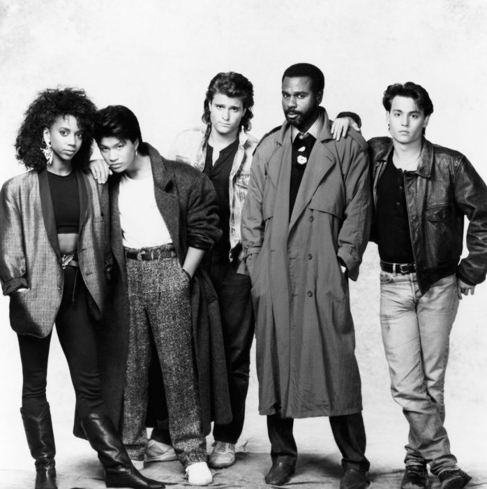 the original cast, 21 Jump Street. Holly Robinson, Dustin Nguyen, Peter Deluise, Steven Williams, and Johnny Depp.