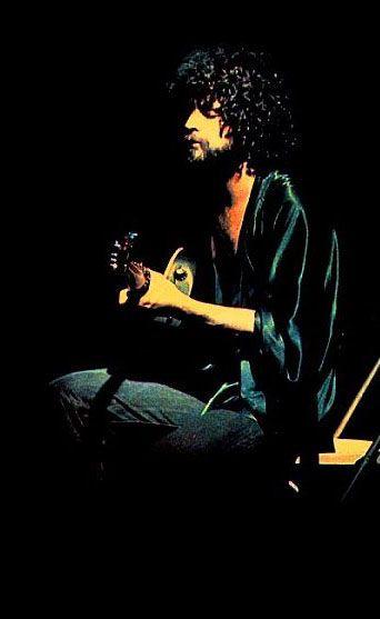 A guitar and a kimono...my perfect boyfriend :)