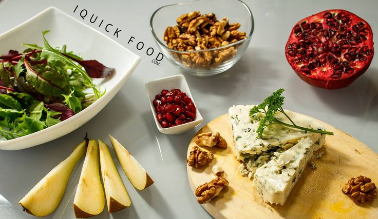 Pear blue cheese salad with walnuts and pomegranates ingredients #salad #bluecheese #pomegranate #walnuts #pear