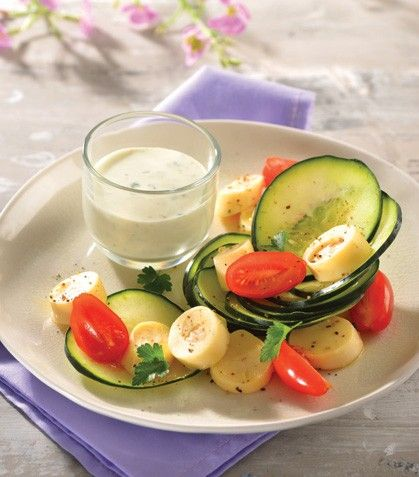 Ensalada de palmitos con aderezo de yogur y cilantro