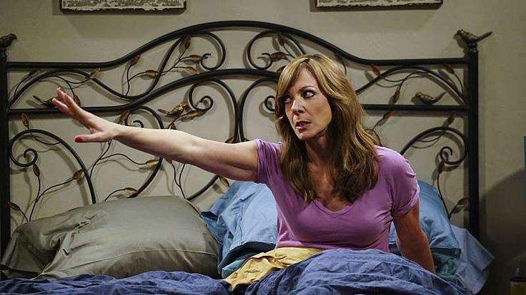 Allison janney mom cbs nominated for supporting