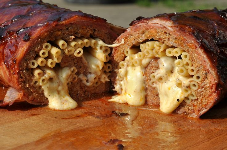 Mac+and+Cheese+Bacon+Bomb+mit+Makkaroni-Füllung
