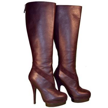Botas altas con tacón y plataforma en marrón de Yves Saint Laurent, low lux en lujocheap.com