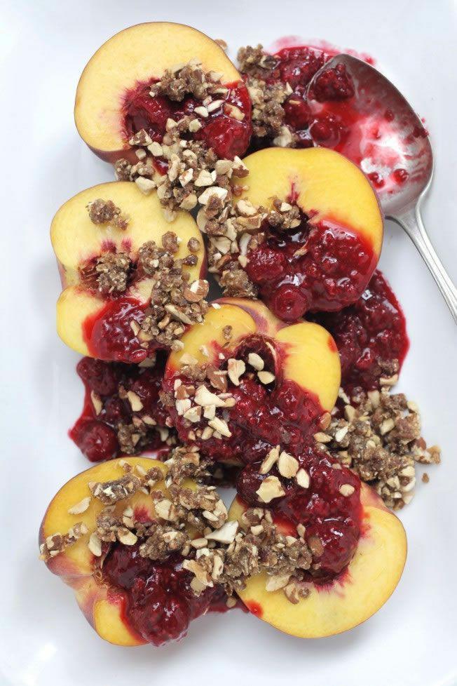Peach and raspberry crumble