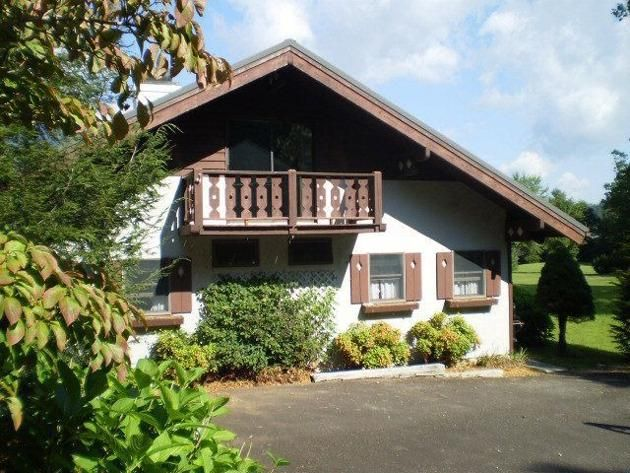 Yahoo homes of the week bavarian style homes another for Swiss chalets for sale