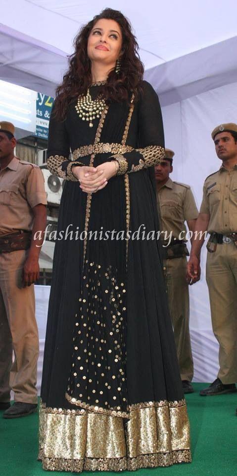 Aishwarya Rai Bachchan in Sabyasachi.