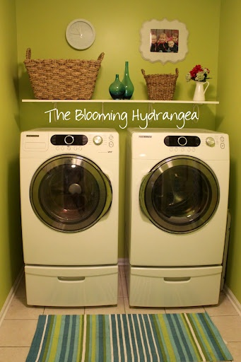 Laundry Room Makeover – Complete!
